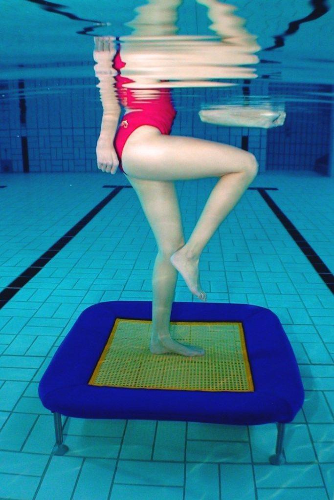 Aquajump avec un mini-trampoline
