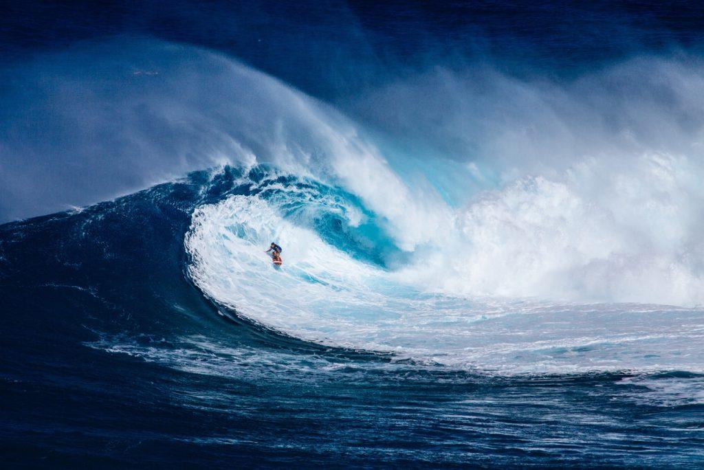 Surf, le plus connu des sports de glisse aquatiques